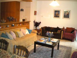 Möblierte Wohnung in der Nähe von Kifisia, Athen