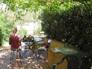 RDCH jardin avec tonnelle centre du Pradet, Le Pradet
