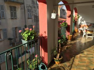 Vieux Nice 4 pieces et Terrasse