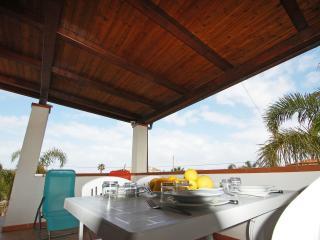 Villetta con terrazza tra mare e piscina, Campofelice di Roccella