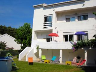 Beach & Country House w/ private garden and pool, for 10, Moledo, Caminha