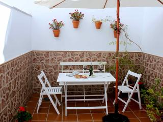 Apartment just at 8 min. walk to downtown & beach, Fuengirola