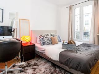 Eiffel Tower-  Luxury 1 Bedroom Parisian Apartment, París