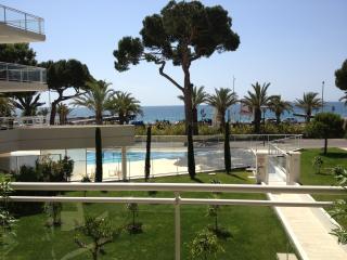 Appartement  front de mer dans résidence récente, Cannes