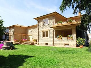 La Casa di Sofia - lago e golf a due passi da Roma, Monterosi