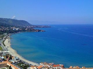 Sicily Holiday Apartment - Cefalu'