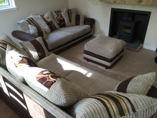 3 Bedroom Peaceful Getaway with 6 Person Hot Tub, Kilmore
