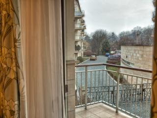 Luxury apartment in residence Trinity Garden