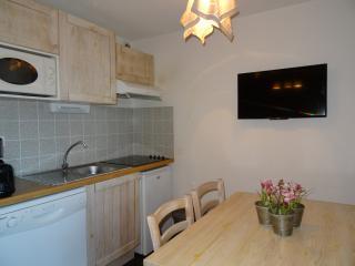 appartement coquet avec terrasse, Luz-Saint-Sauveur