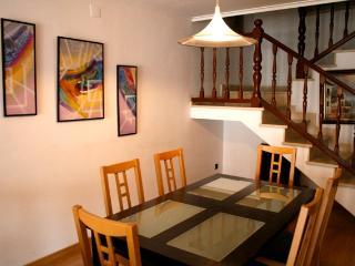 Duplex 250 m2 - 5 habitaciones, apto 8 personas, Llanca