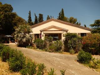 maison + dépendance, la campagne provençale à deux pas de la mer, Toulon