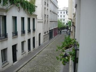 Au calme Près des Champs Elysées