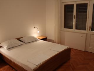4 persons apartmants, Tijesno