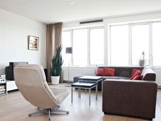 Lakeview appartement met een groot zonnig balkon!, Amsterdam