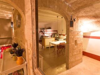 Maison de charme 18ème siècle Uzès  intra-muros