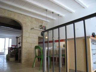 Maison de charme 18eme siecle Uzes  intra-muros