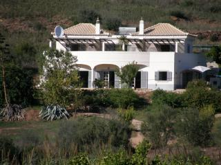 """ Quinta Bonita"" Beautiful Villa and Secluded Pool, Tavira"