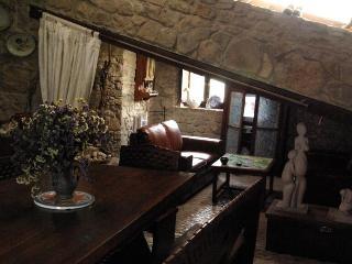 The Ceramist's Rural House