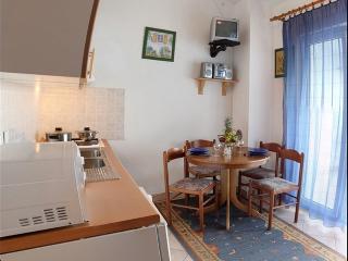 Apartman II, Njivice