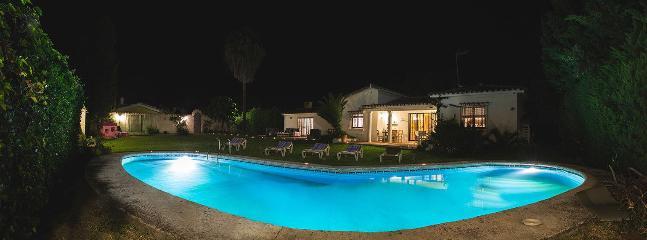 Chalet a pie de playa y con piscina privada