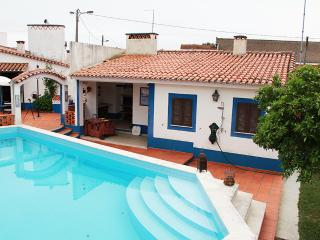 CHARMING COUNTRY HOUSE HOLIDAYS & WEEKENDS LOWCOST, Constancia