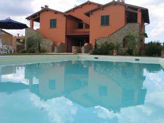 """Residence """"CASA MACINARINO"""", Loro Ciuffenna"""