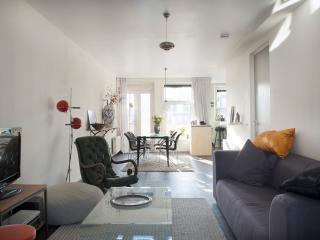 modern & bright apartment Amsterdam Center east