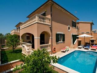 VILLA PRIVATE POOL 4U SPECIAL LAST MINUTES DEALS CALM AREA BEST VALUE FOR MONEY