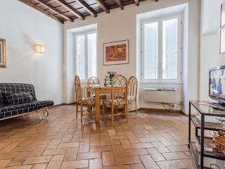 A Beautiful Apartment in Campo de Fiori, Rome