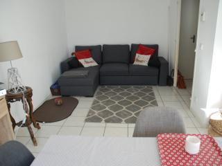 Near Geneva, appartment with garden in France, Ville-la-Grand