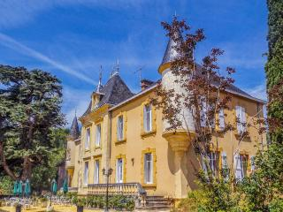 Chateau Monteil CATERED PRIVATE RENTAL in Dordogne, Calviac-en-Perigord