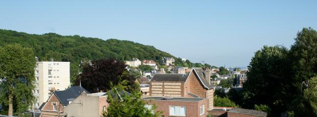 vue du bacon en face l'estuaire et la ville du Havre