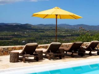 Wonderful villa among the hills of Sant Joan