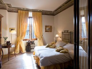 Lorenzo - Luxury Apartment in center of Florence, Florença