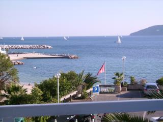 TOULON.MOURILLON.APPT 60M2.PANORAMIQUE..10M .PLAGE, Toulon