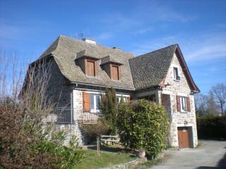 MAISON EN PIERRE, Mur-de-Barrez