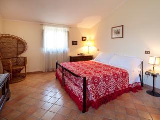Villa Rosy, Assis