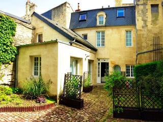 Maison historique en pierre au coeur de Caen