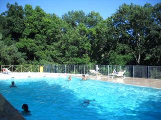bilocale vista mare con piscina