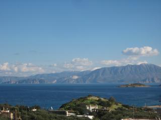 Sunny apartment with sea view, Agios Nikolaos