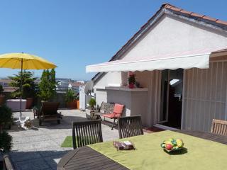 Duplex pour 6 personnes avec terrasse à Monplaisir