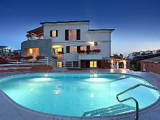 Stunning apartment Irena No.5 with pool, Porec
