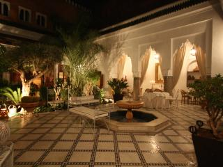 RIAD AUTHENTIQUE EN EXCLUSIVITE DANS LA MEDINA