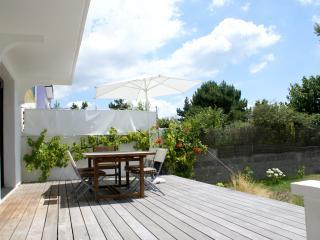 maison bord de mer avec jardin clos de murs, Larmor-Plage