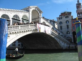 A pochi passi dal Ponte di Rialto!