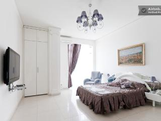 Elegant apartment on the Grecheskaya St., Odesa
