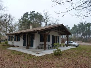 maison de vacances meublée pour 3 personnes, Uza