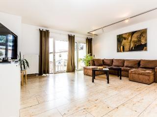 48 Apartments Köln Weidenpesch, Colonia