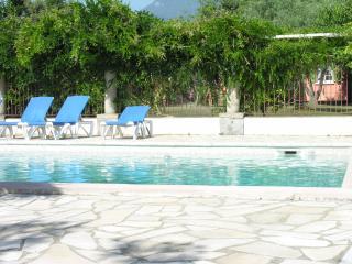 Jolie villa F3 mitoyenne piscine tennis proche mer, Sorbo-Ocagnano