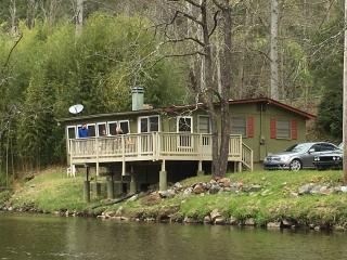 Cindy's Island - Riverfront fun!
